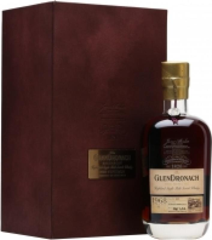 Glendronach 44 Years Old Recherche, 1968, gift box